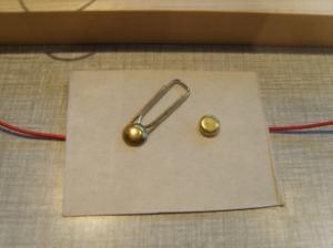 Hoe maak je een paperclipschakelaar ?