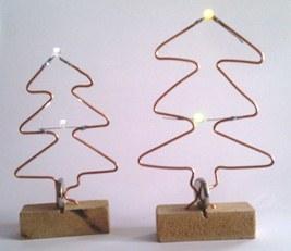 Kerstboom met ledlampjes en knoopcel